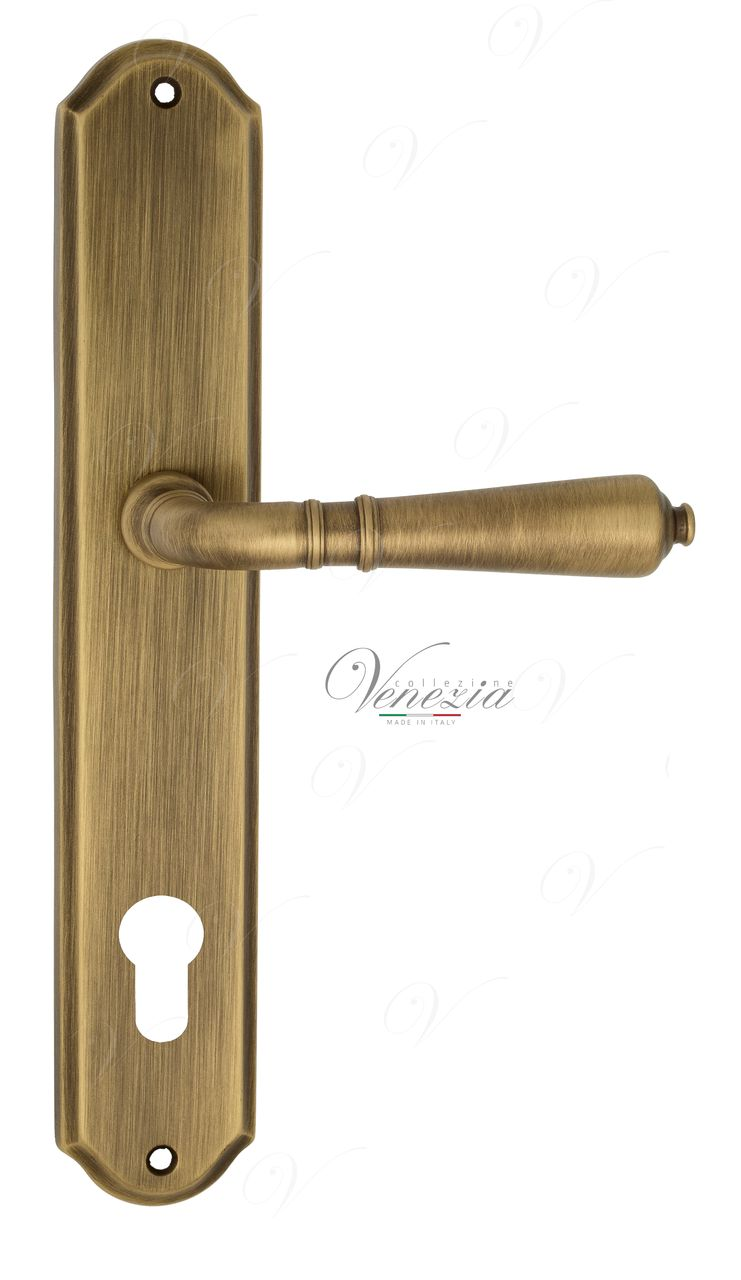 Door Handle Venezia  VIGNOLE  CYL On Backplate PL02 Mat Bronze