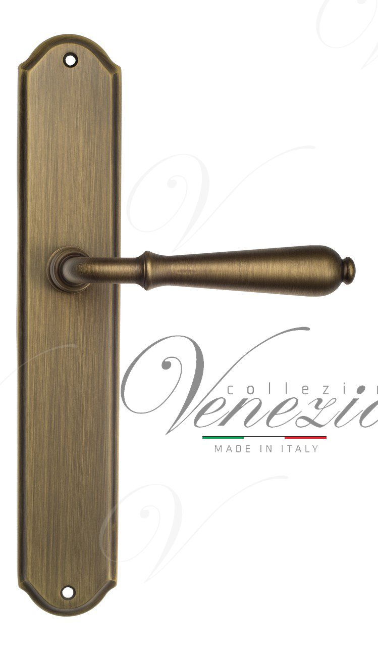 Door Handle Venezia  CLASSIC  On Backplate PL02 Mat Bronze