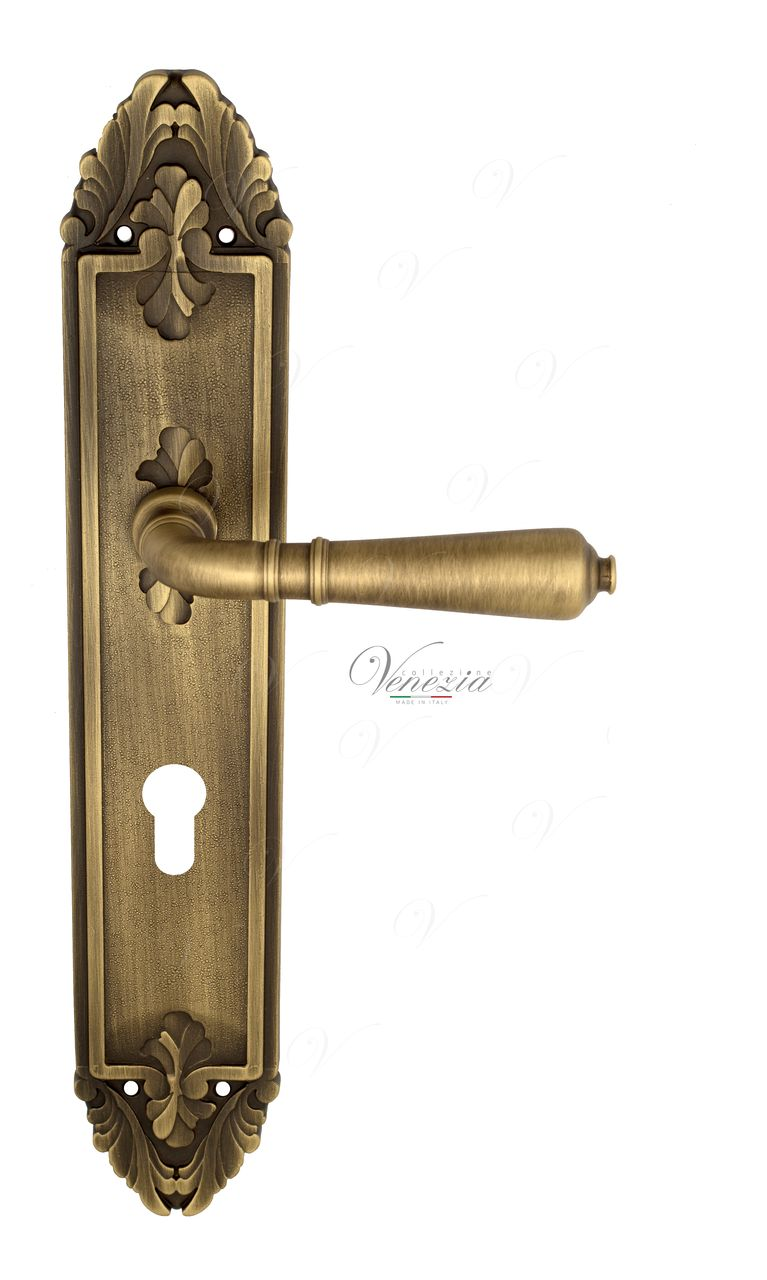 Door Handle Venezia  VIGNOLE  CYL On Backplate PL90 Mat Bronze
