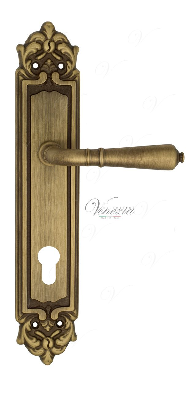 Door Handle Venezia  VIGNOLE  CYL On Backplate PL96 Mat Bronze