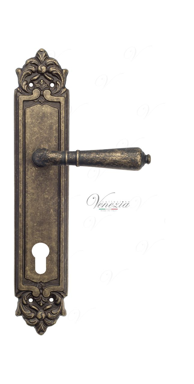 Door Handle Venezia  VIGNOLE  CYL On Backplate PL96 Antique Bronze